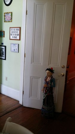 Creole Gardens Guesthouse Bed & Breakfast : mardi gras lady by front desk area