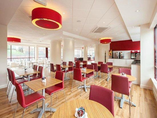 Travelodge Wembley: Bar Cafe