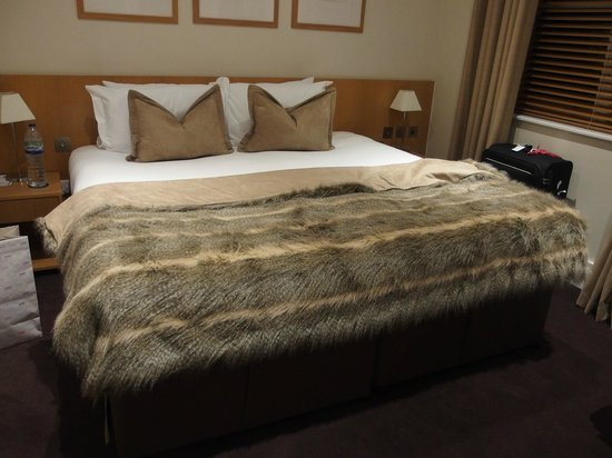 The Nadler Kensington: bed