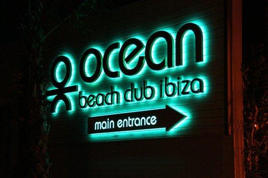 THB Ocean Beach: Club bei Nacht