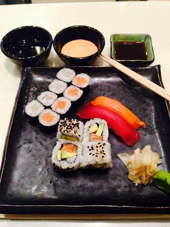 Crowne Plaza Tel Aviv City Center: Sushi -  Bar24