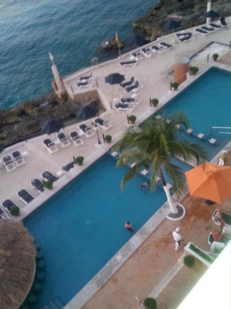 Coral Princess Golf & Dive Resort: view from top floor