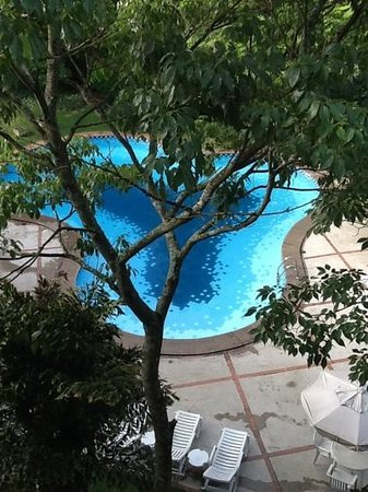 Hotel Panamby Guarulhos: view of the pool from my room balcony