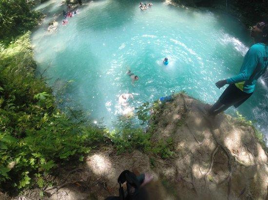 Courtney Taylor  Tours Jamaica: let's jump!