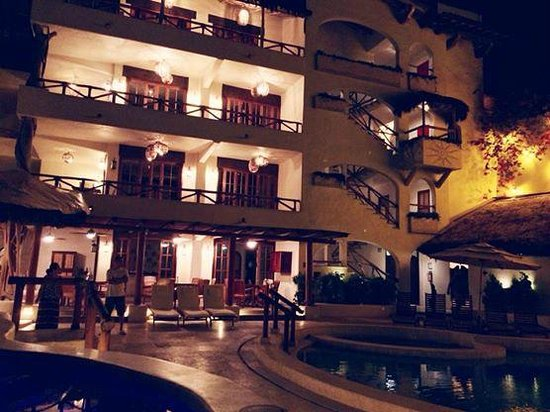 Hotel Playa Fiesta: loved it!