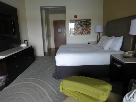Lakeway Resort and Spa : Another view of the brand new room!