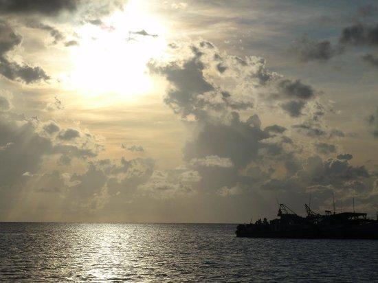 Scuba Nation: Sunrise on an overnight trip