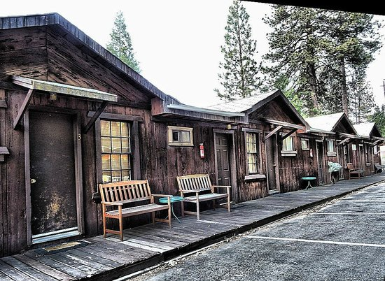 Groveland Motel & Indian Village: Cabins for accommodation