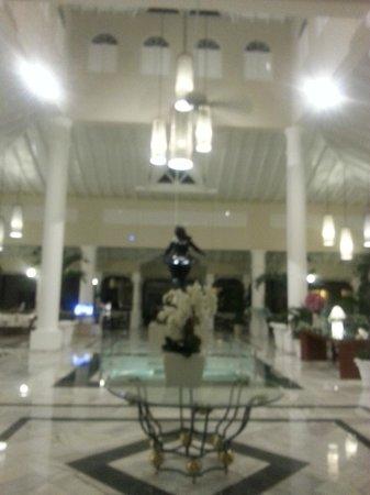 Luxury Bahia Principe Bouganville : Lobby