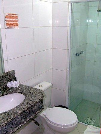 Mar de Canasvieiras Hotel & Eventos: Banheiro Apartamento 227