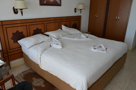 Royal Mirage Agadir Hotel: Pokoj- materace bardzo wygodne