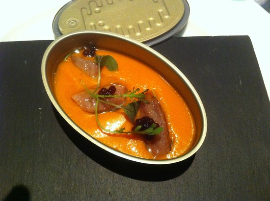 Porrue: Sardines from the Cantabric Sea with tomato.