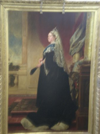 V&A  - Victoria and Albert Museum: Queen Victoria welcoming the visitors to her museum