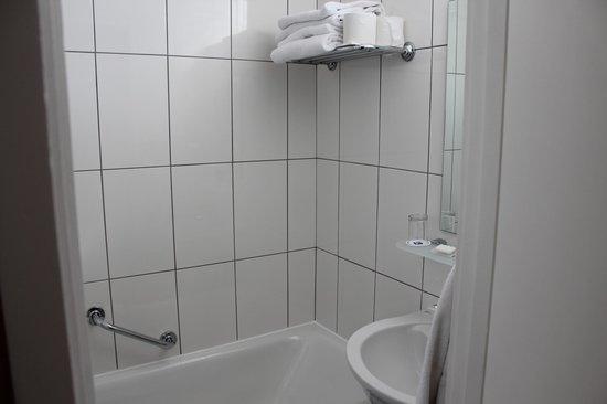 Best Western Burns Hotel Kensington: Salle de bain