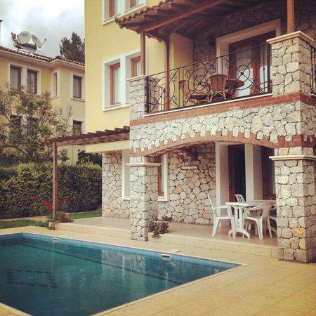 Perdikia Hill: Private Villa - Sleeps 10