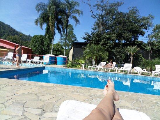 Pousada Suarez: Para um mês de junho, onde tivemos dias quente, essa piscina realmente fez a diferença.