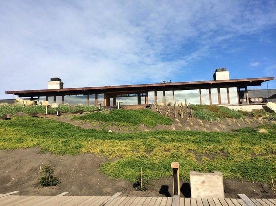 Hotel Alaia - Punta de Lobos: Foto sacada desde las piezas a la recepción/comedor.