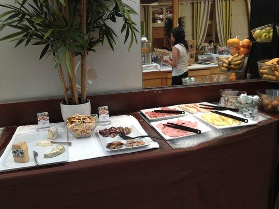 Hotel Mercure Montpellier Centre Antigone: Desayuno