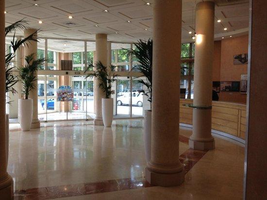 Hotel Mercure Montpellier Centre Antigone: Recepción