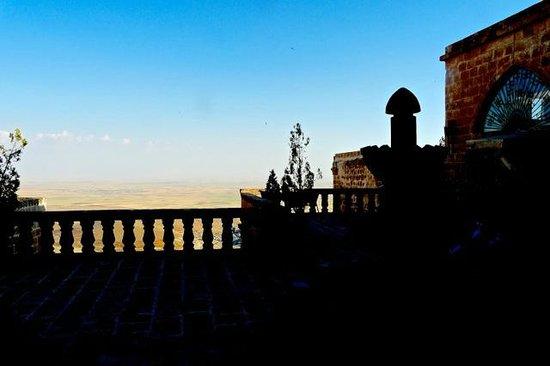 Erdoba Evleri : view of mesapotanian plain from terrace