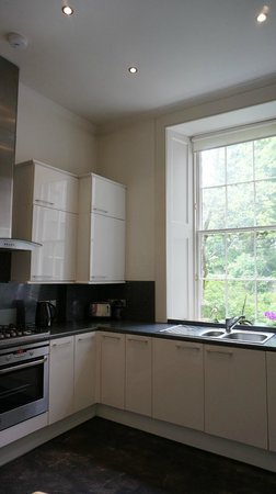 Greyfriars Apartments: kitchen