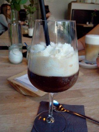 Baaila Cafe: Irisch coffee
