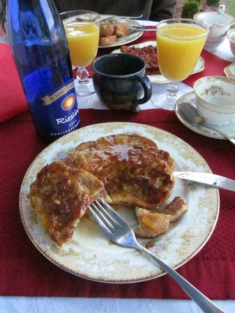 Belle Grove Plantation Bed and Breakfast : breakfast - orange french toast