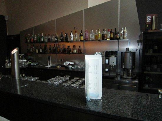 NH Düsseldorf City: Die Bar