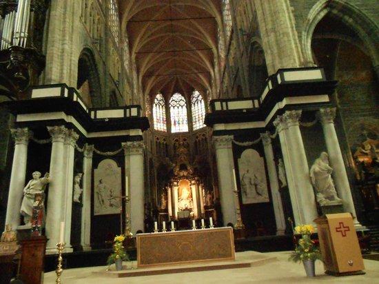 Catedral de San Bravo (Sint-Baafskathedraal): INTERIOR IGLESIA SAN BRAVO