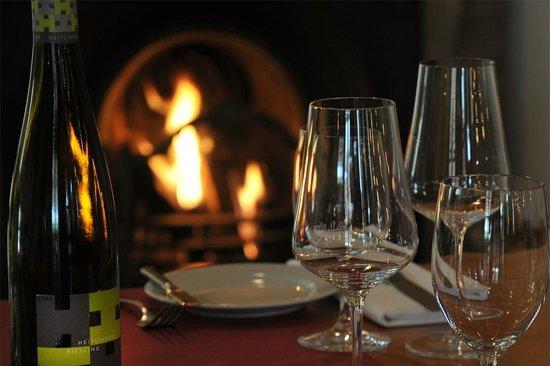 Weingut Heitlinger: Weingenuss vor dem Kamin