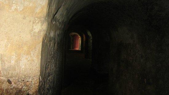 Château de San Felipe de Barajas : Passagens no castelo