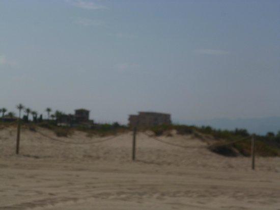 Camping Castell Mar: vue de la plage