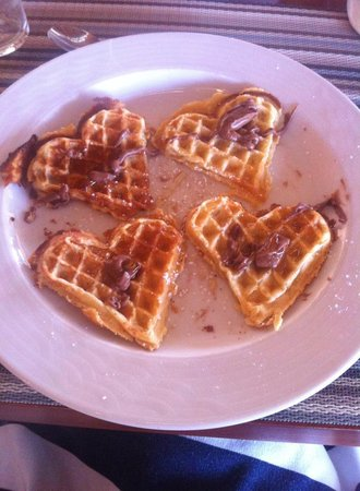 Galaxy Hotel, BW Premier Collection: Breakfast waffles with yummy Zakinthian honey and nutella