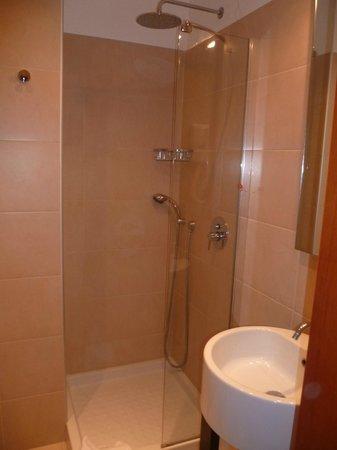 Apogia Sirio Venice : salle de bains bien agencée
