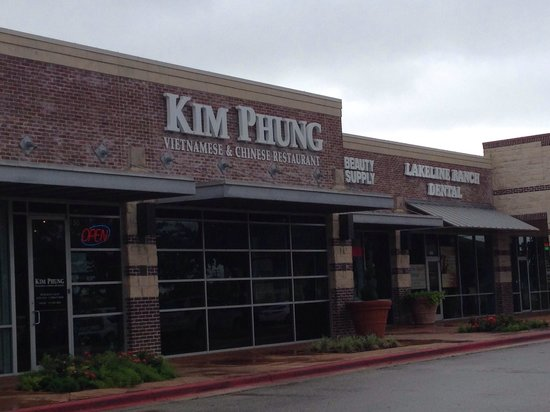 Kim Phung Restaurant: From parking lot