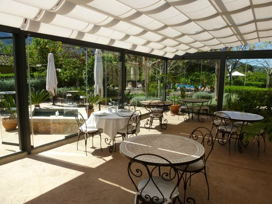 Ca's Curial: Dining Conservatory