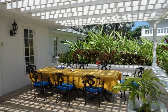 Half Moon : table set for lunch at our villa