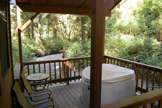 Whaleshead Beach Resort: Small 2 person hot tub in a private setting