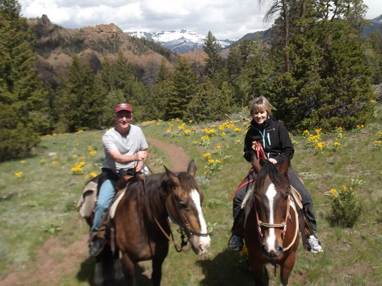 Bill Cody Ranch: Horseback riding in the mountains