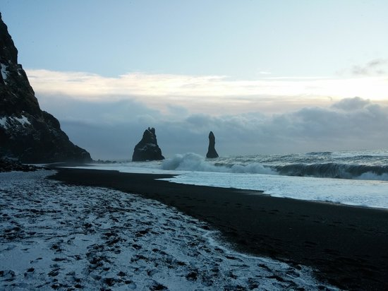 Black Sand Beach: Vik