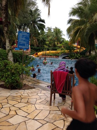 PARKROYAL Penang Resort, Malaysia: the kids' pool which looked like fun..