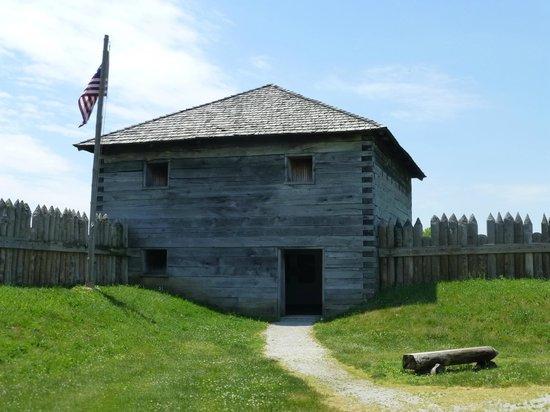 Fort Meigs Ohio's War of 1812 Battlefield : Blockhouse