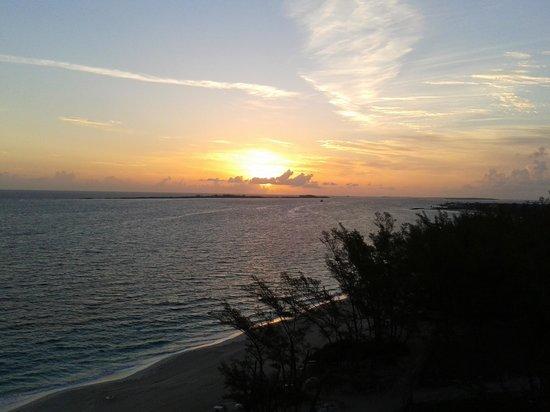 Hotel Riu Palace Paradise Island: Riu Paradise. amanecet