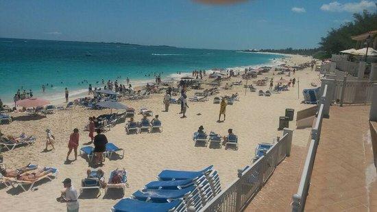 Hotel Riu Palace Paradise Island: Riu Paradise . playa
