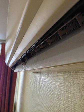 Astoria Hotel: Leaky A/C