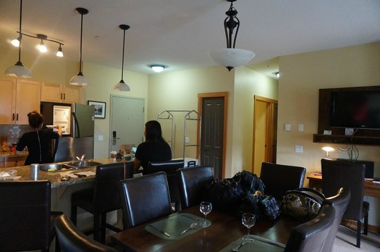 The Lodges at Canmore : Dining area