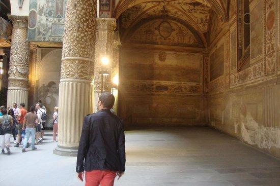 Galerie des Offices : Vista externa  da  Galleria degli Uffizi