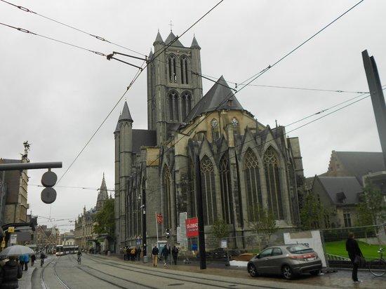 Saint Nicholas Church: PARTE POSTERIOR IGLESIA SAN NICOLÁS