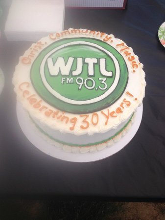 Country Table Restaurant: 30th Anniversary Cake WJTL