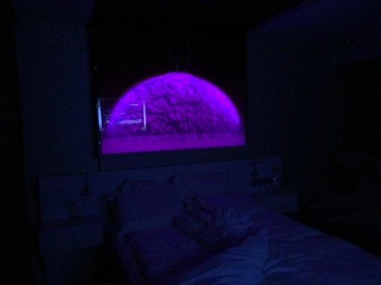 Pullman Eindhoven Cocagne : lampe au dessus de lit réglable